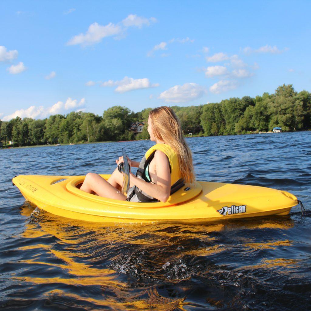 Jen kayak 1024x1024 1